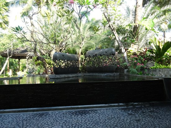 Padma Resort Legian: some of the many beautiful sculptures