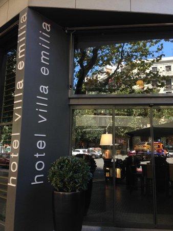 Villa Emilia: Entrance to hotel