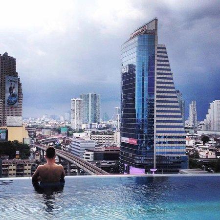 Sky Line Infinity Pool Picture Of Eastin Grand Hotel Sathorn Bangkok Tripadvisor