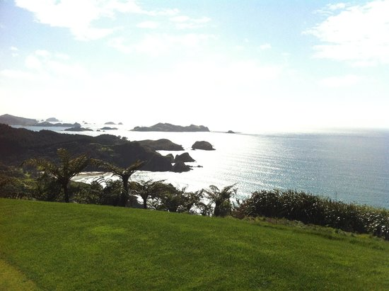 The Lodge at Kauri Cliffs: View from golf course