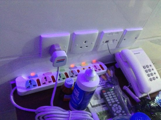 Merryland Guest House: It provide much of socket