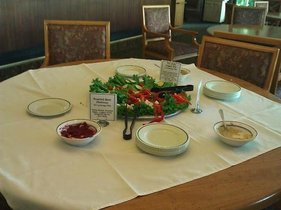 The Oaks at Ojai: healthy snack - raw vegetables and low cal dips