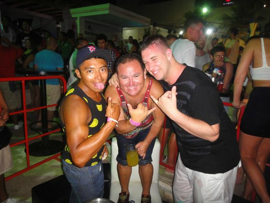 Golden Parnassus All Inclusive Resort & Spa Cancun : Thanks for a great night out entertainment team - Ulises