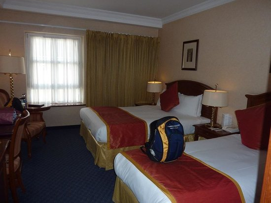 Killarney Plaza Hotel and Spa: Our room