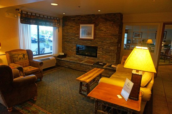 ClubHouse Inn West Yellowstone: Lobby