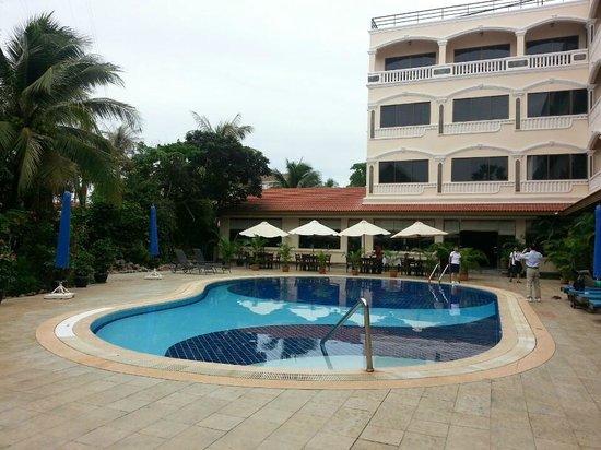 Khemara Angkor Hotel & Spa : 호텔 수영장