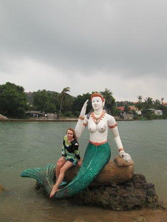 Wat Plai Laem: русалка в озере