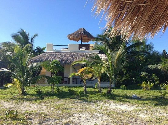 Hotel Maya Luna: from beach to hotel