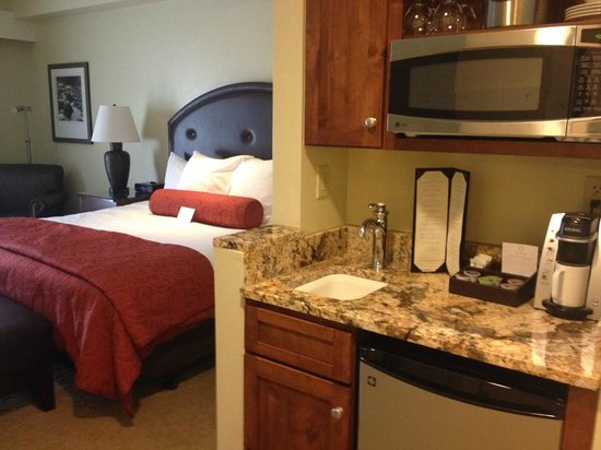 The Limelight Hotel: our deluxe king room