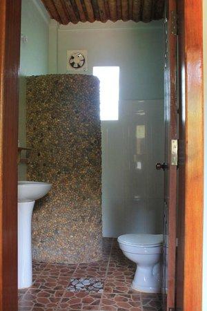blue kep bungalow : bathroom