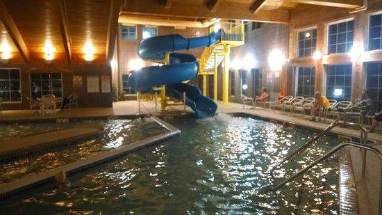AmericInn Lodge & Suites Munising : pool