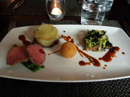 Wedgwood The Restaurant : Lamb three ways with blue cheese arancini