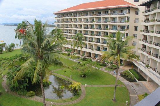 Shangri-La's Tanjung Aru Resort & Spa: Partial sea view from balcony