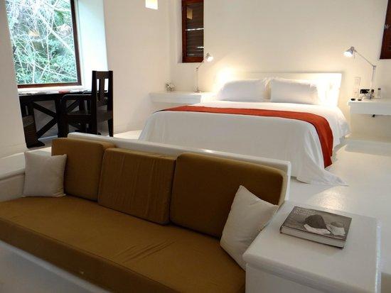 Hotel Esencia: Room