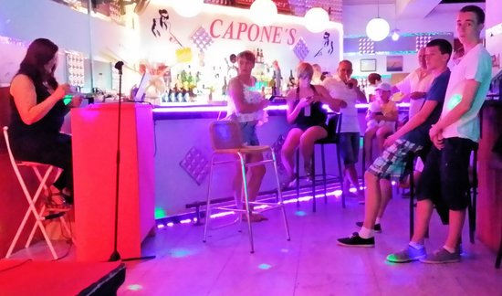 Capones Karaoke