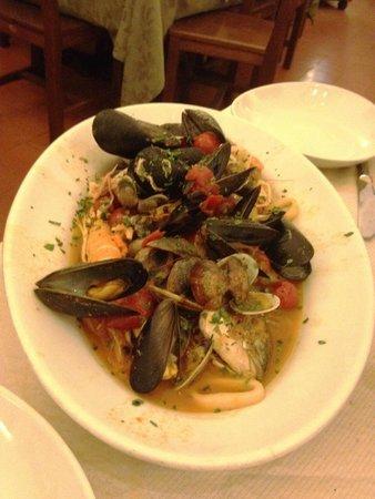 Trattoria e Pizzeria da Meme: seafood soup
