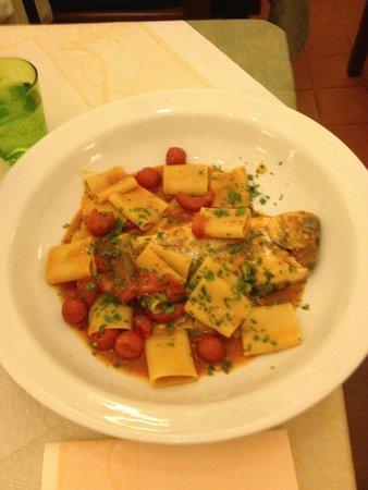 Trattoria e Pizzeria da Meme: whole fish pasta