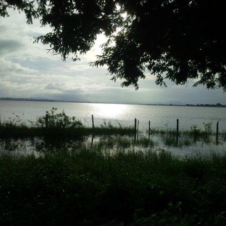 ريد إيرث كابيني: Kabini Lake - Coracle point.