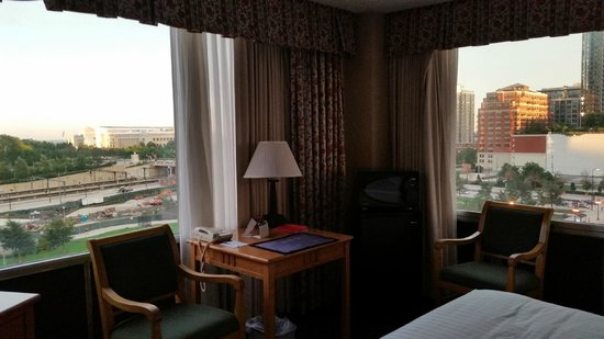 Best Western Grant Park Hotel : Corner room with lake view