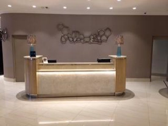 Hilton Durban: Reception desk