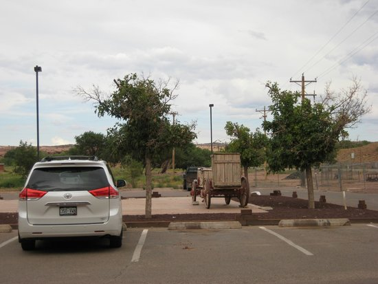 Holiday Inn Canyon de Chelly: parking lot