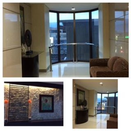 Summit Circle Cebu: 6th floor lobby