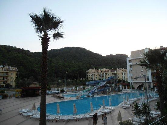 Grand Pasa Hotel: Evening