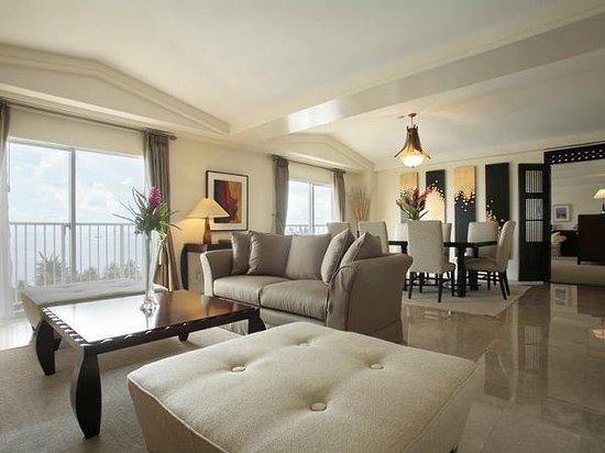 Fiesta Resort & Spa Saipan: royal suite