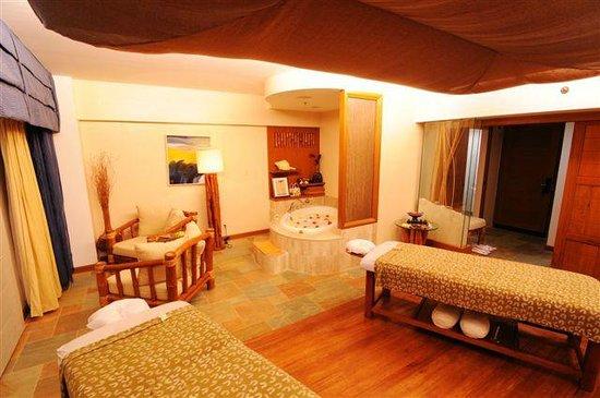 Fiesta Resort & Spa Saipan: ni'lala spa