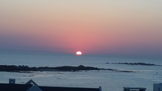 Blaauw Village Guest House: Sunset from the deck