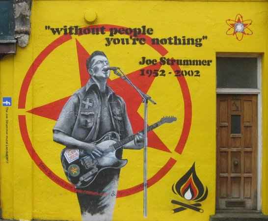 ‪Joe Strummer Mural London‬