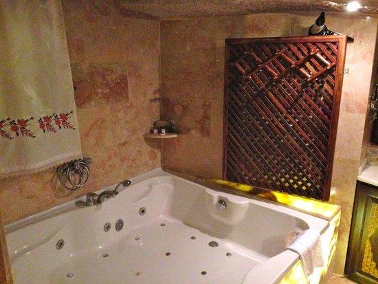 Gamirasu Cave Hotel: Eagle Nest Bathroom