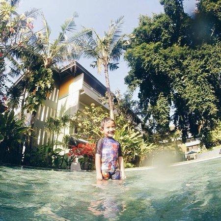 HARRIS Resort Kuta Beach: Happy