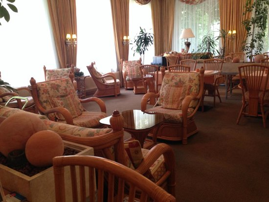 Austria Classic Schlosshotel Oth : Холл отеля