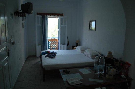 Maganas Hotel