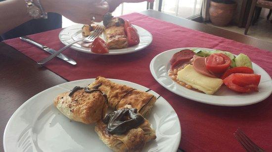 Hotel Emre: Horrible hotel breakfast