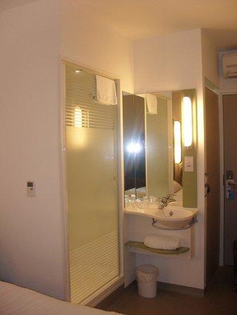 Hotel ibis budget Edinburgh Business Park: specie di bagno