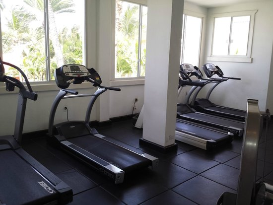 St. James's Club & Villas: gym