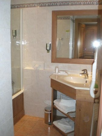 Park Hotel Suisse & Spa: 313 Bathroom