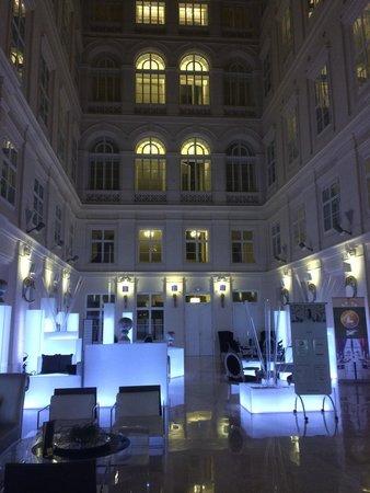 Barceló Brno Palace: Atrium