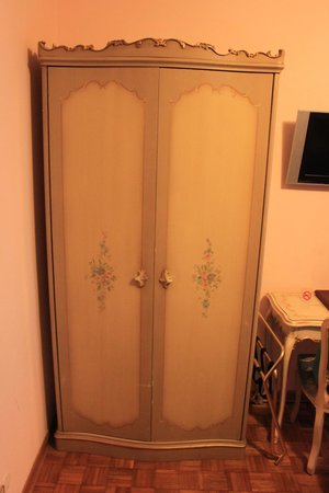 Hotel Royal San Marco: wardrobe room