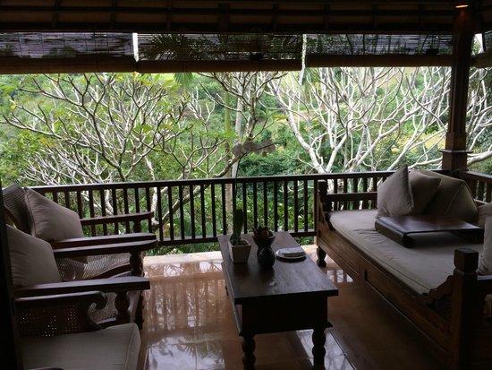 Warwick Ibah Luxury Villas & Spa : très agréable salon