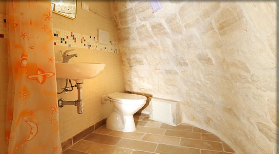 Bagno del Trullo Pirandello n.1 - Foto di Bed & Breakfast Trulli D ...