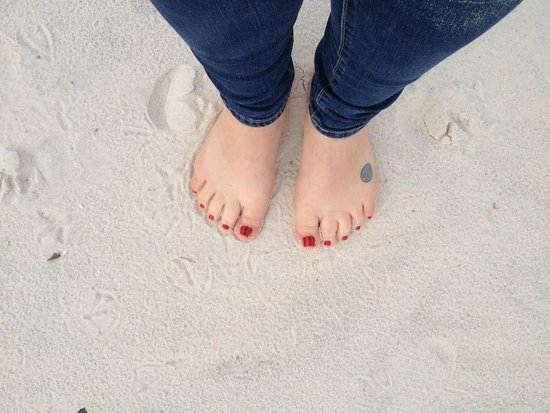 Biloxi Beach : Toes in the softest sand EVER!