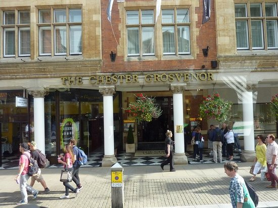 The Chester Grosvenor: Front of the hotel