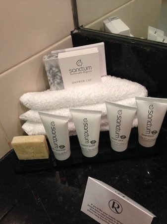 Rydges World Square Sydney Hotel: Organic toiletries with a unisex, lemongrass scent