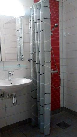 Citybox Bergen : Bathroom