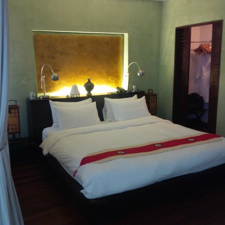 Heritage Suites Hotel: tres bon lit