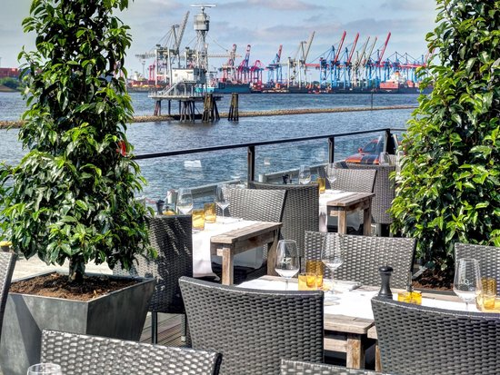 au quai restaurant hamburg altonaer fischmarkt. Black Bedroom Furniture Sets. Home Design Ideas