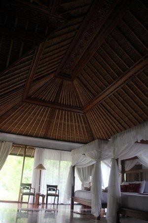 Santi Mandala : roof inside room